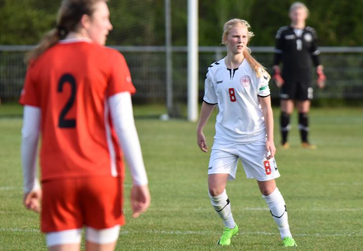 15-årige Sofie på U17-landsholdet