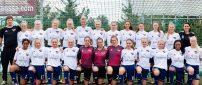 B.93-kvinder indleder kvalifikation hjemme