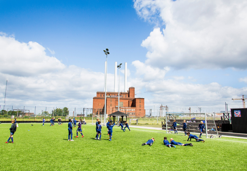 B.93 Football Camp med næsten 200 børn