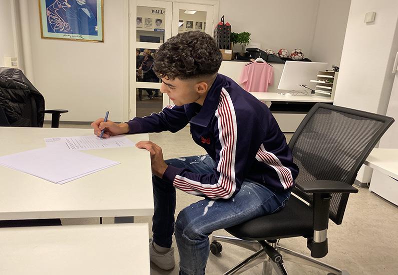 Tammer Bany får kontrakt