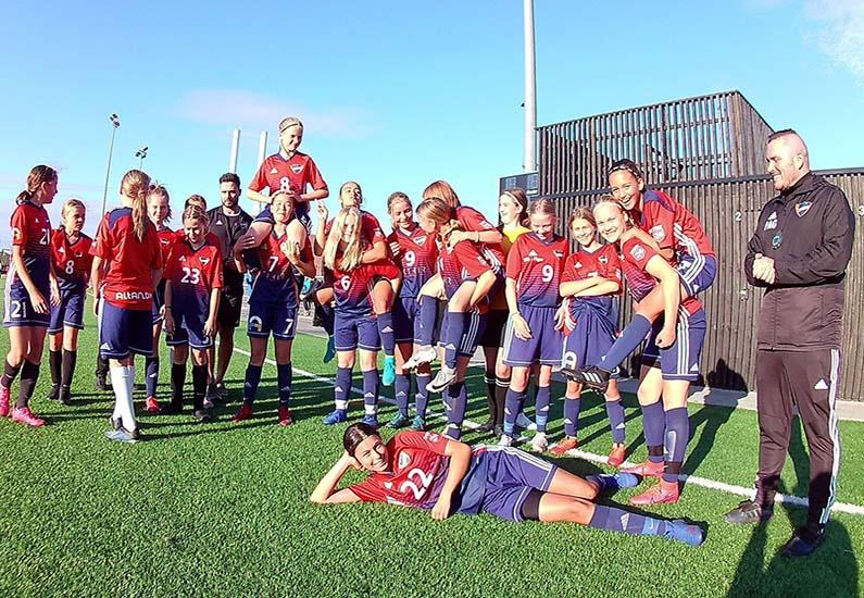 Åben træning for 2008 og 2009 Piger